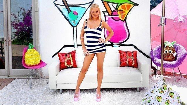 sexy slim blonde fuck outdoor