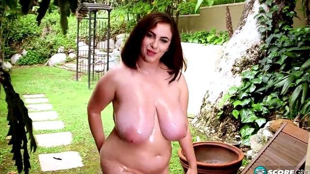 beautiful girl horny show