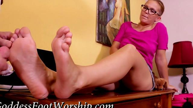 Horny chick fisting her asshole