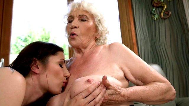Horny Euro Babe Pussy HD