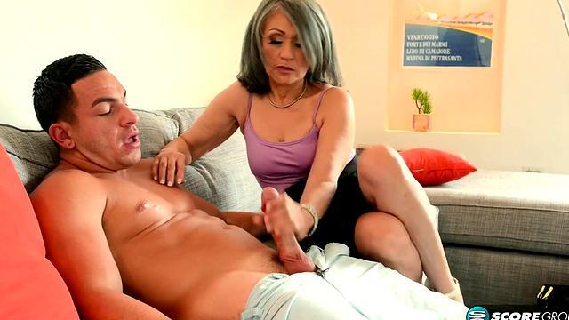Mature British housewife is fucked