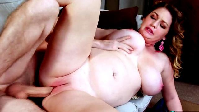 mature fat woman pussy licking